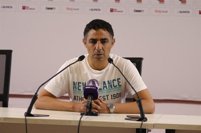 """Mustafa Özer, """"İşimiz gerçekten çok zor"""""""