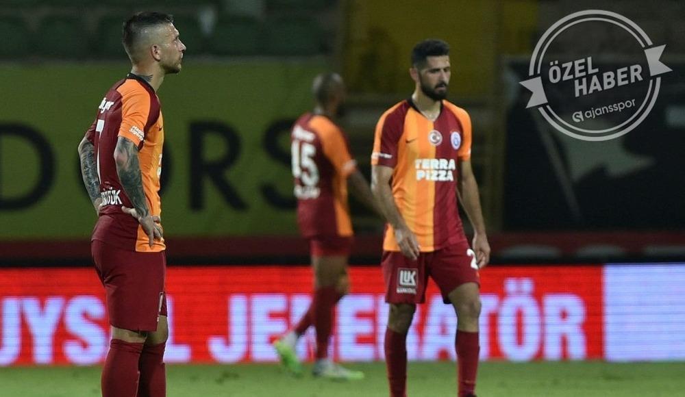 Galatasaray'da kritik toplantı! Gelecek ve gidecek futbolcular...