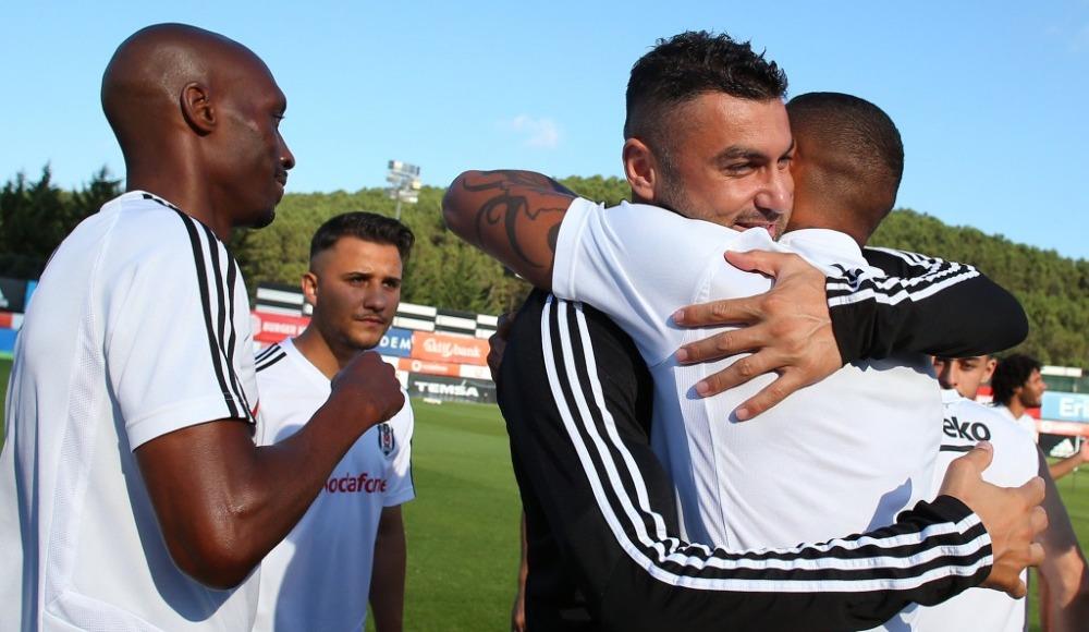 Beşiktaş'ta Ganalı futbolcu Boateng, takımla vedalaştı