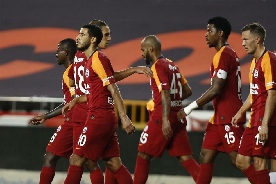 Beşiktaş ikinci Fenerbahçe üçüncü