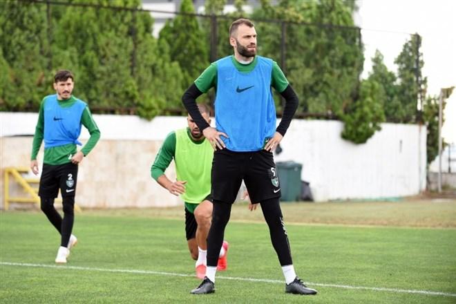 """Mustafa Yumlu: """"Futbolu Denizlispor'da bırakmak isterim"""""""