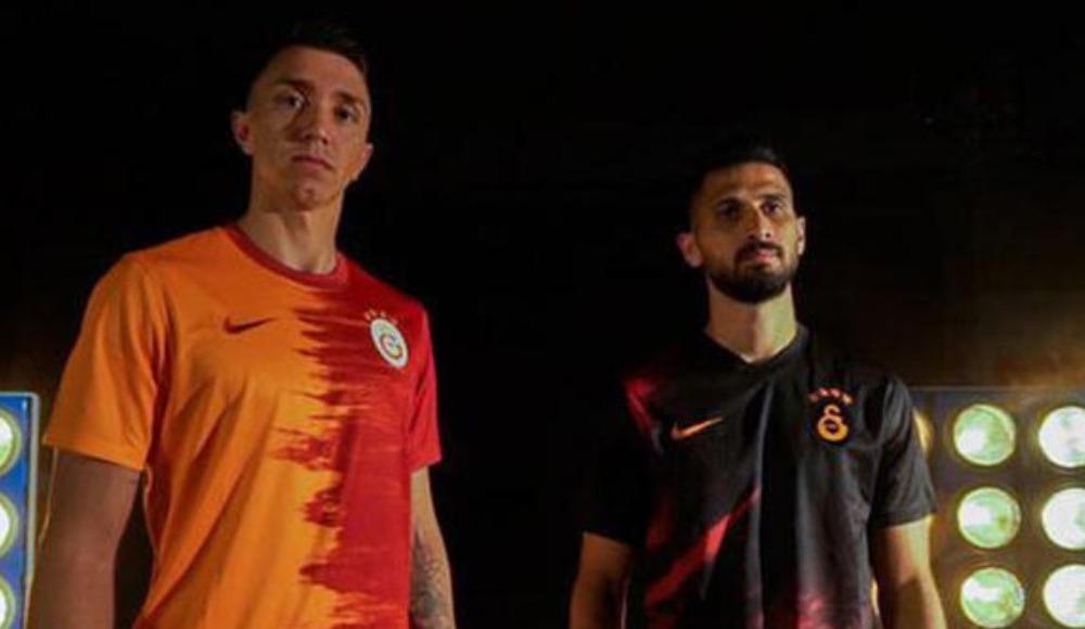 Galatasaray'da yeni sezon forma tartışması