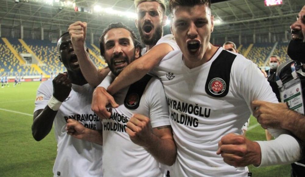 Karagümrük futbolcularının Süper Lig sevinci