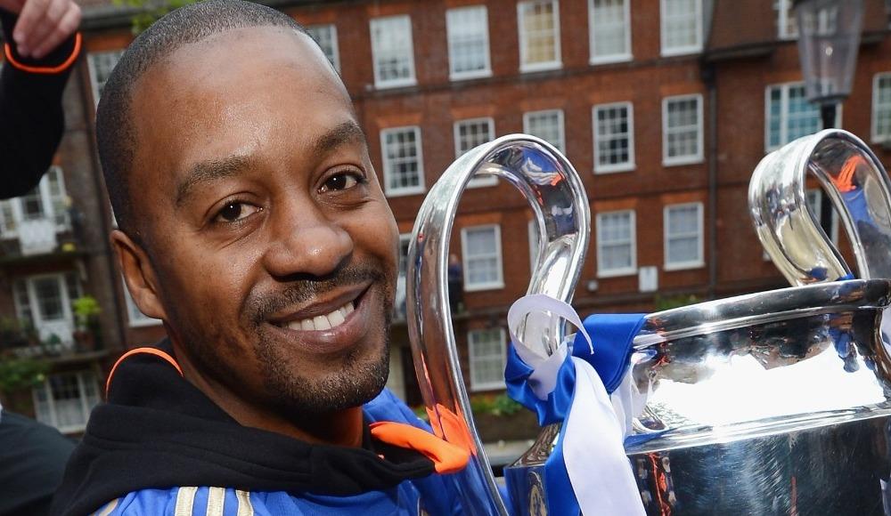 Chelsea'den Eddie Newton'a tebrik