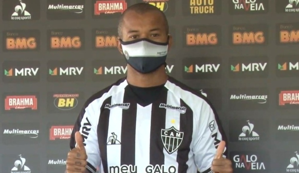 Mariano yeni takımına imzayı attı