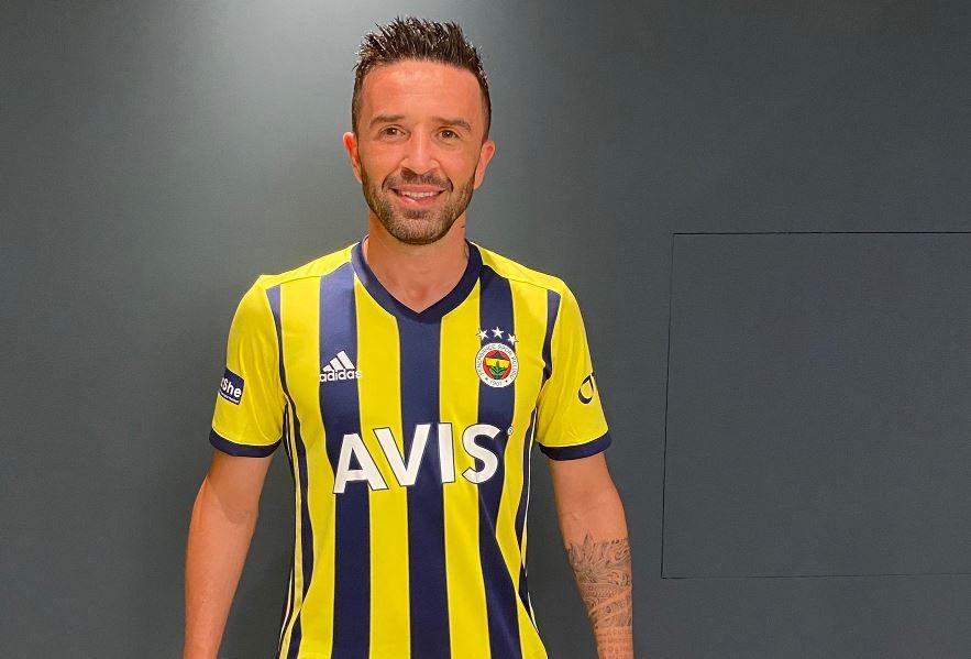Fenerbahçe resmen transferi açıkladı