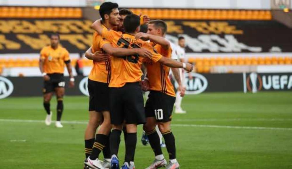 Wolverhampton çeyrek finalde!