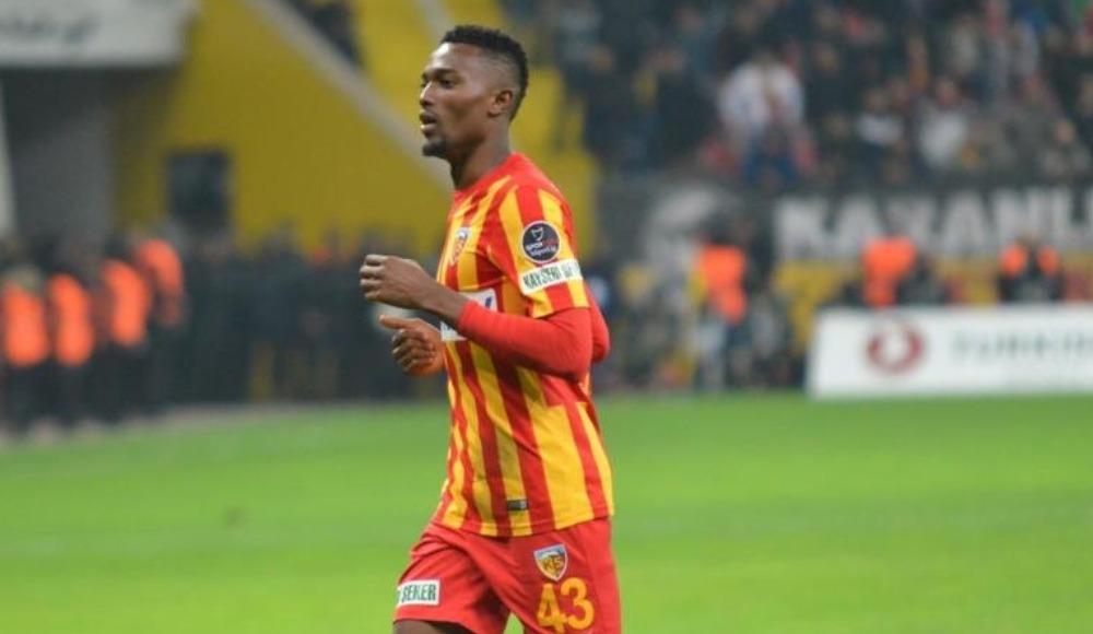 Galatasaray, Mensah'la anlaştı!