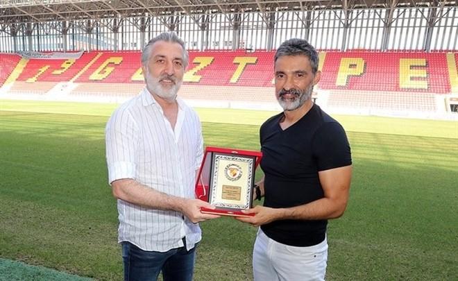 Göztepe'den antrenör Suat Arıcan'a anlamlı veda