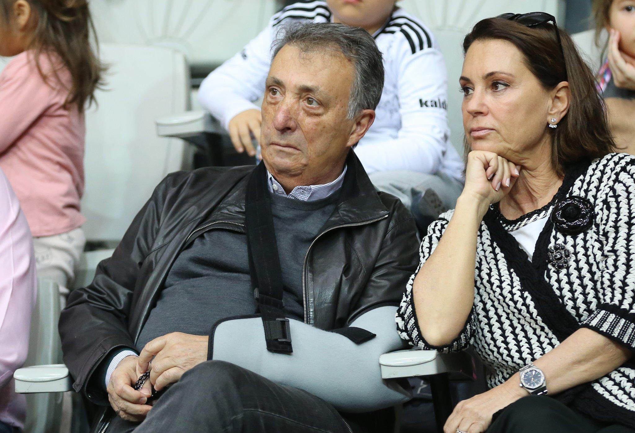 Kadın Futbol Takımı'na bağış...