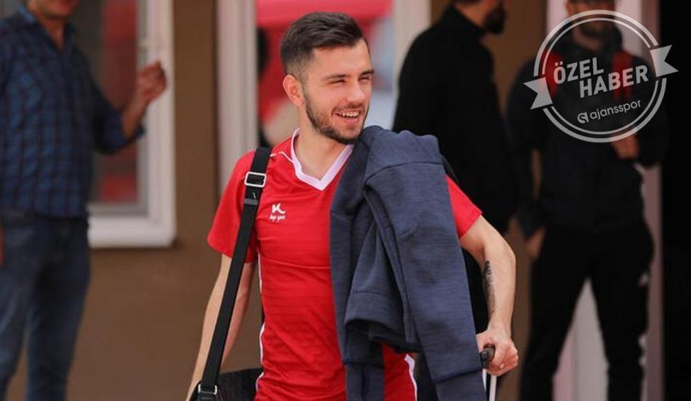 Galatasaray 3 futbolcuyu KAP'a bildirecek...