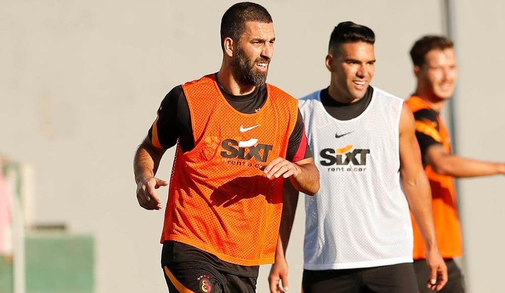 Falcao sezona Galatasaray'da başlayacak ama...