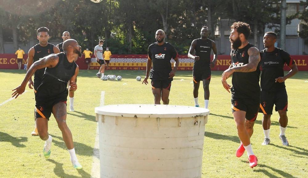 Galatasaray, günü çift antrenmanla tamamladı