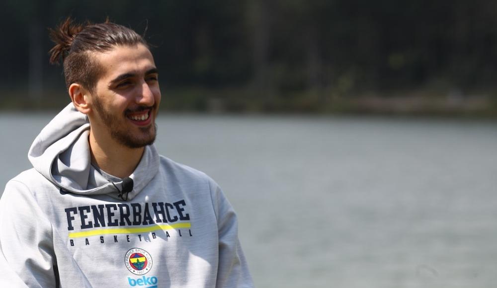 Kenan Sipahi, Fenerbahçe Beko'ya döndüğü için mutlu
