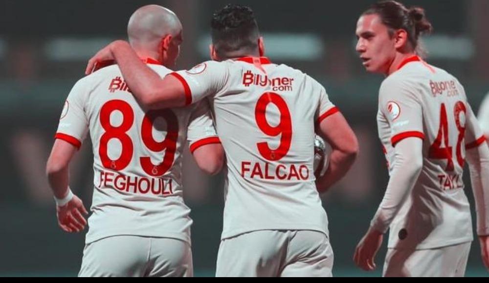 Galatasaray ile Neftçi Bakü arasındaki uçurum! Falcao...