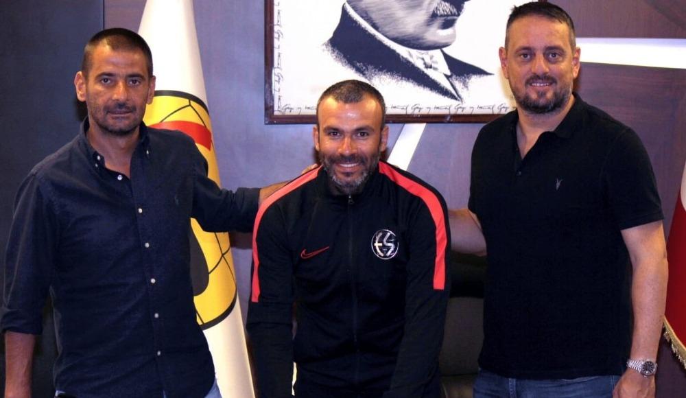 Eskişehirspor, Kıvanç Karakaş'la sözleşme yeniledi