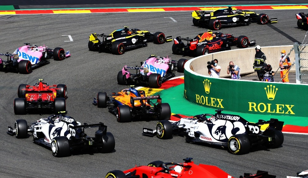Belçika'da kazanan Lewis Hamilton