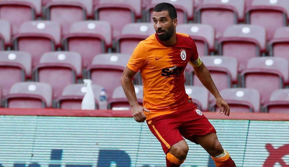 Galatasaray yeni transferlere lisans çıkarttı