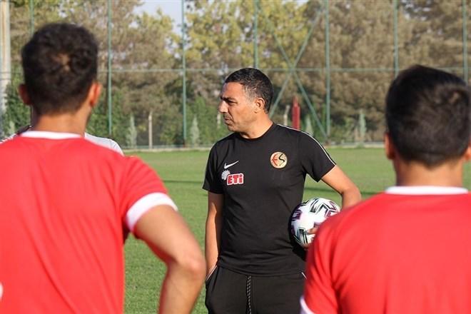 """Mustafa Özer: """"Hedefimiz takımı ayakta tutmak"""""""