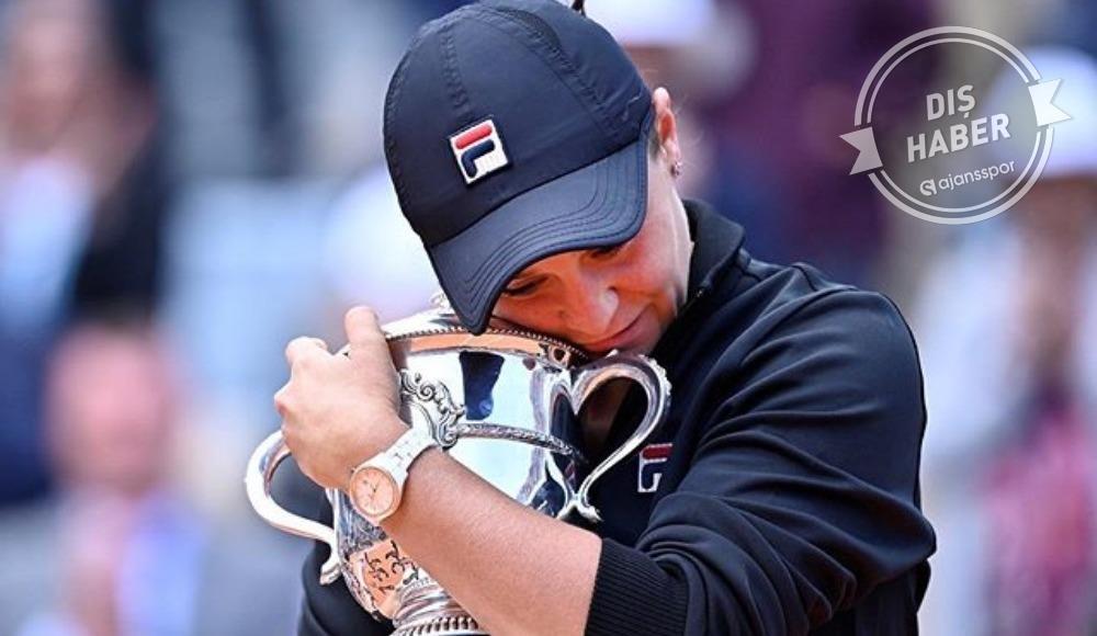 Son şampiyon Ash Barty Fransa Açık'tan çekildi