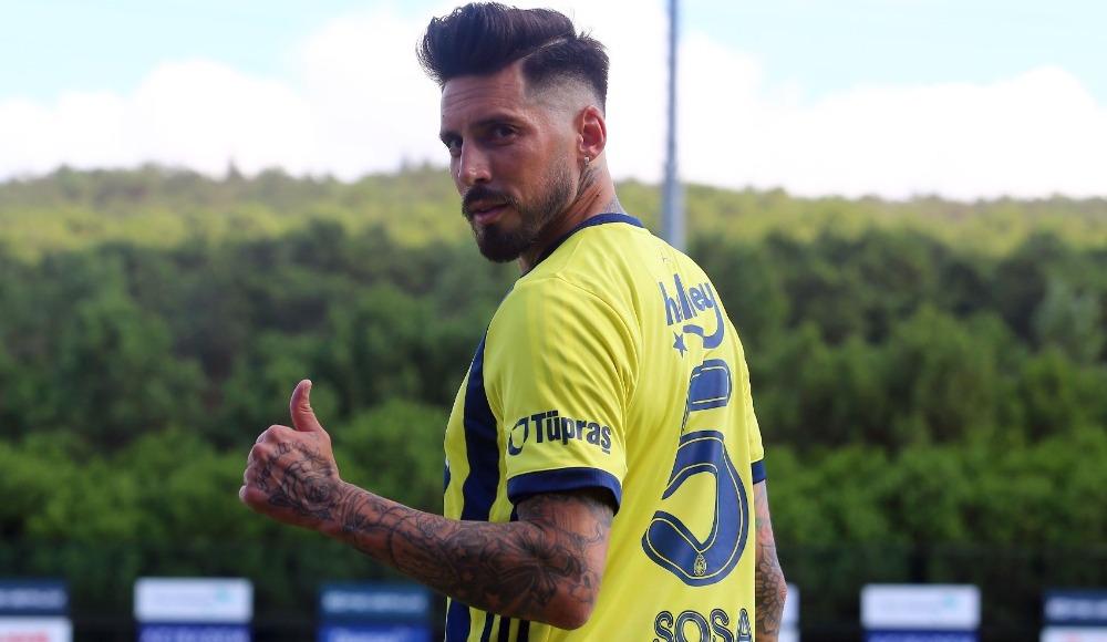 """""""Fenerbahçe'de oynamak ekstra bir sorumluluk"""""""