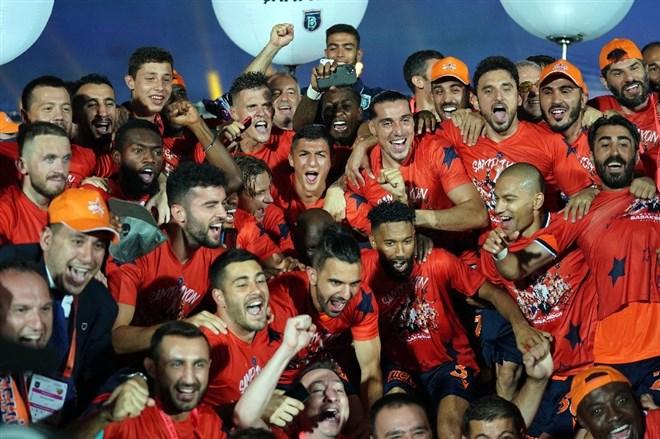 Şampiyon Başakşehir sezonu açıyor