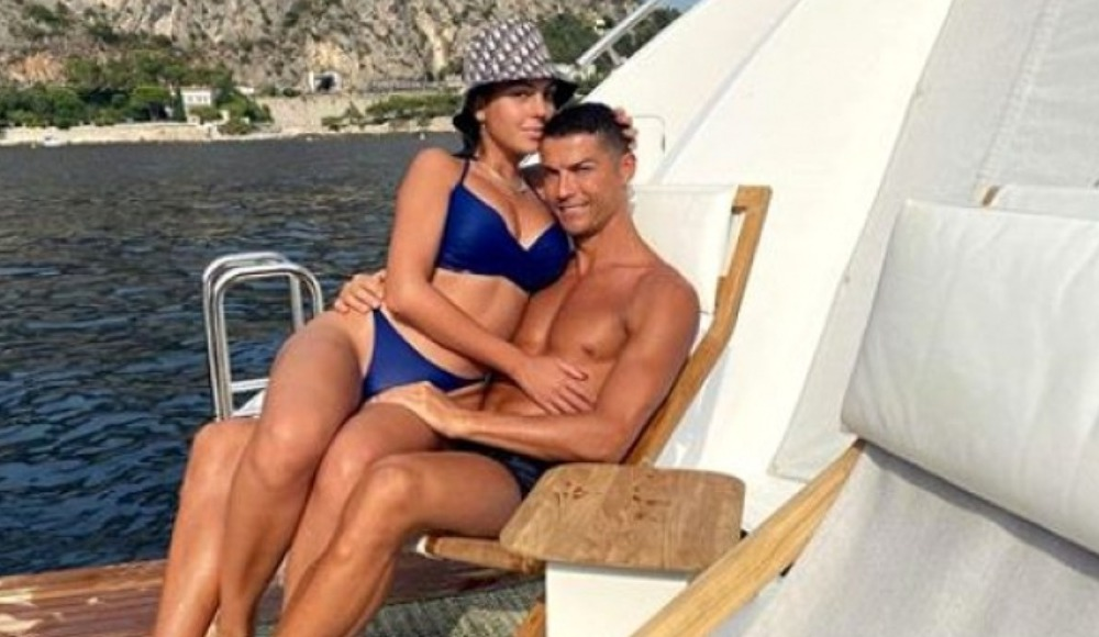Ronaldo'nun aldığı yüzüğün değeri dudak uçuklattı