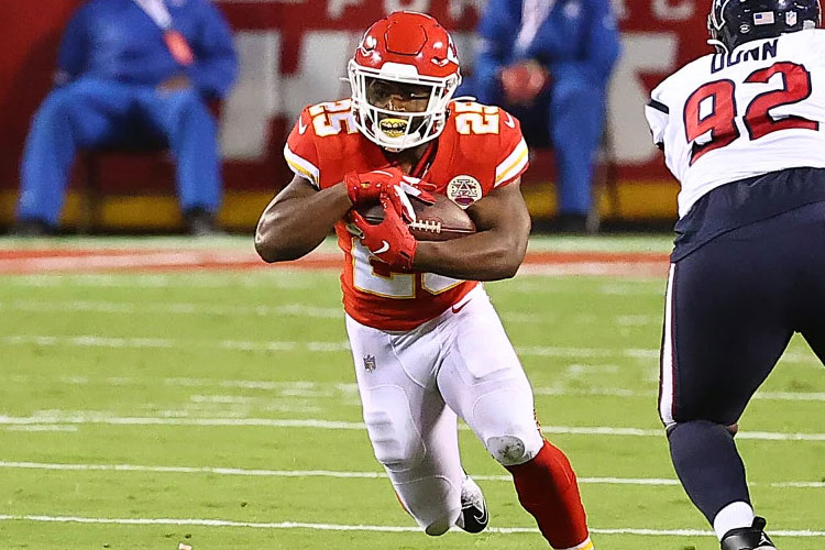 HAFTANIN ÇAYLAK HÜCUMCUSU: CLYDE EDWARDS-HELAIRE (KANSAS CITY CHIEFS)
