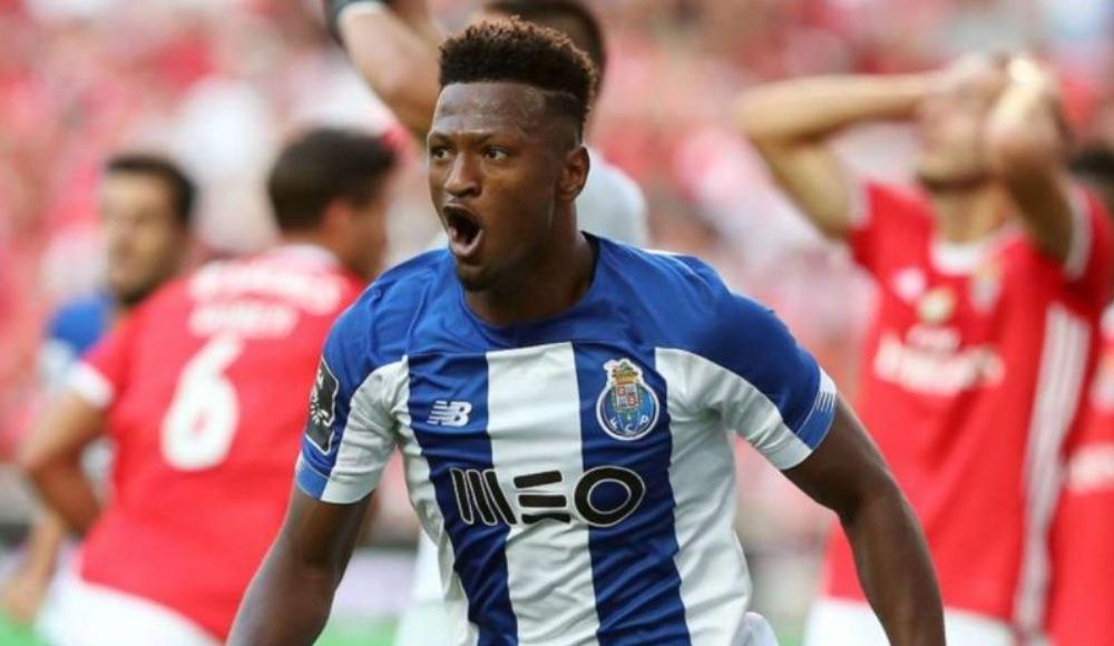 Porto, Ze Luis'in lisansını çıkardı