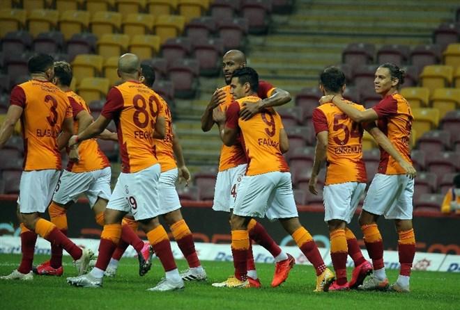 Galatasaray formaları açık artırmada