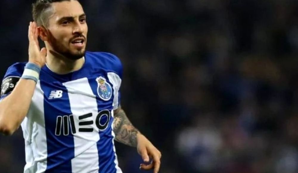 Alex Telles, Manchester United'a transfer oluyor