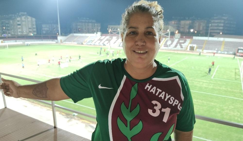 Süper Lig'in tek kadın amigosu, tribünlere kavuşmak istiyor