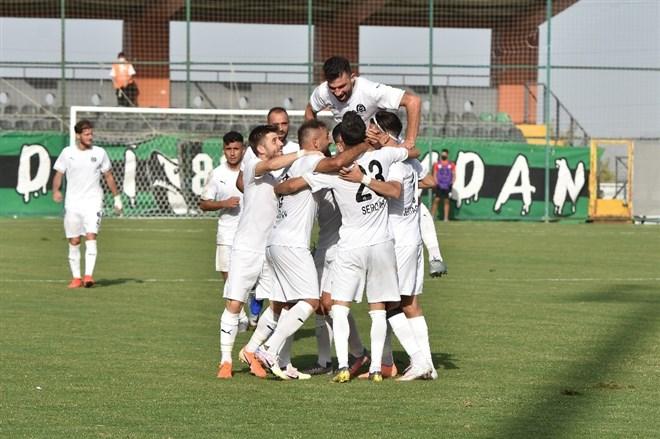 Manisa FK, Kocaelispor karşısında farka gitti