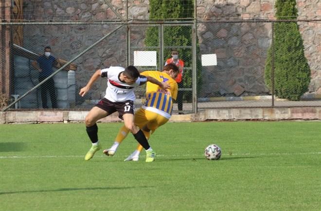 Belediye Derincespor, sahasında Manisaspor'u 1-0 mağlup etti