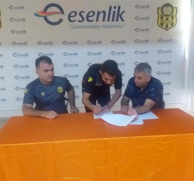 Yeni Malatyaspor altyapıdan 2 futbolcu ile profesyonel sözleşme imzaladı