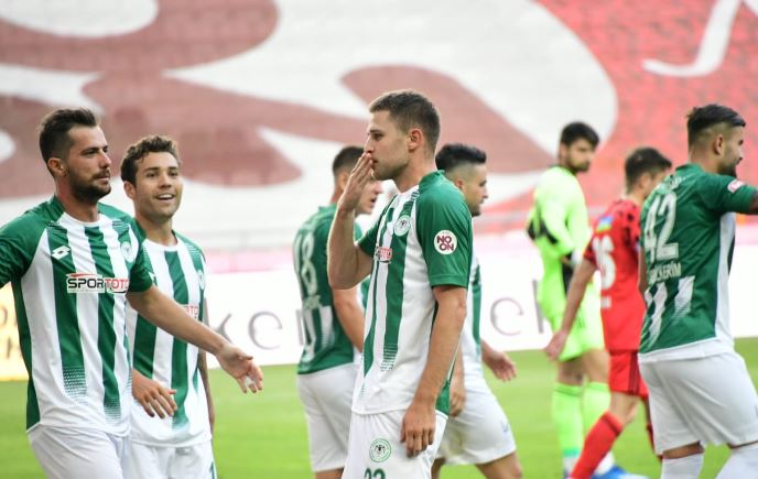 Konyaspor büyük sevinç yaşadı