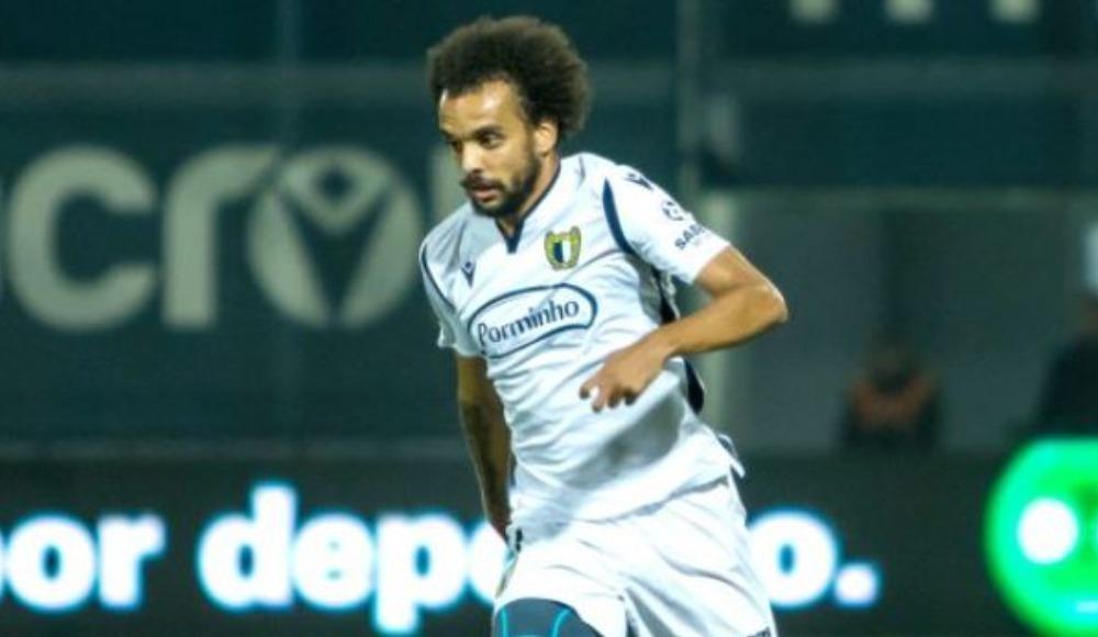 Fenerbahçe ile transferde anıldı, imzayı attı!