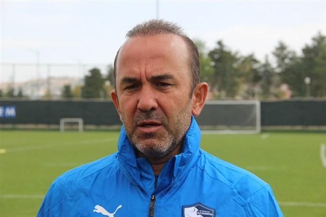 """Mehmet Özdilek: """"Kadromuza 2-3 oyuncu daha katacağız"""""""