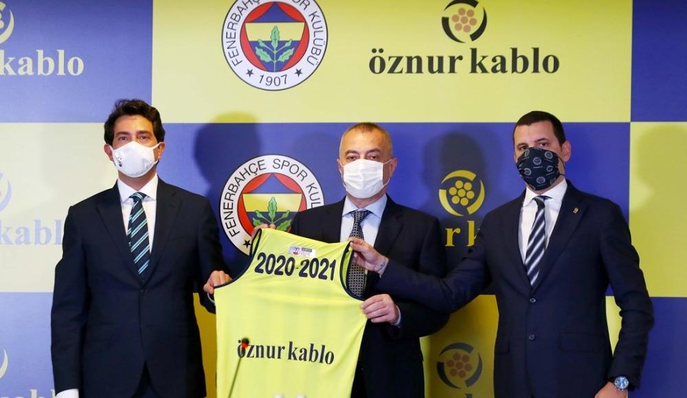 Fenerbahçe sponsoru ile devam ediyor