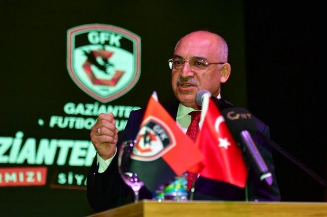 """Mehmet Büyükekşi: """"Gördüğü kırmızı kart bize göre çok ağırdı"""""""