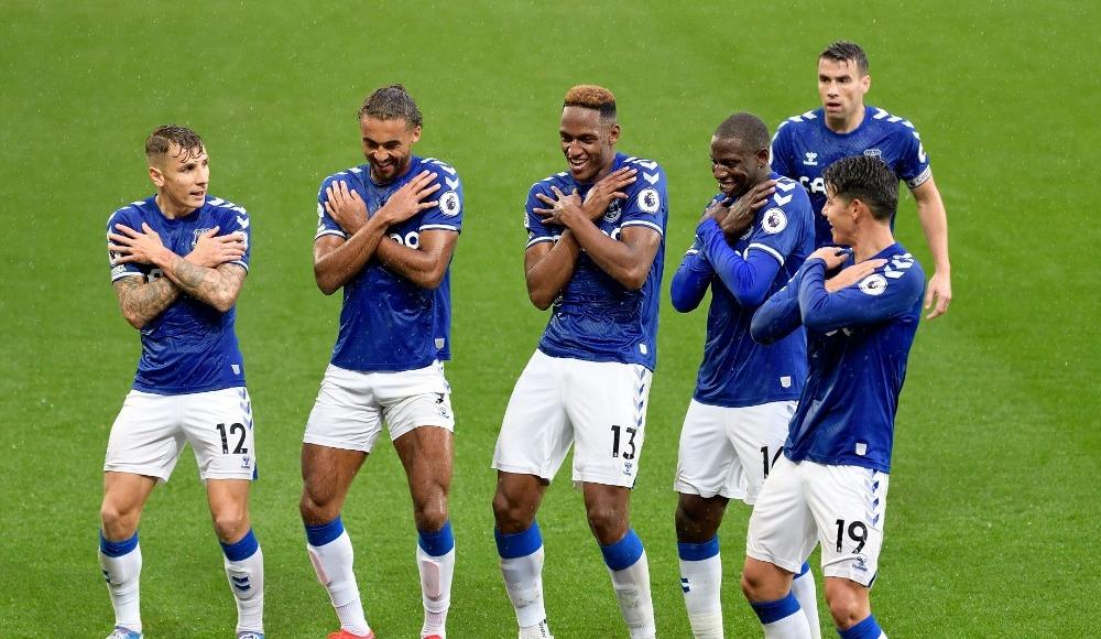 James 2 gol attı, Everton 4'te 4 yaptı
