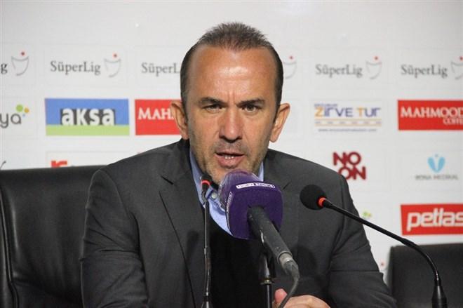 """Mehmet Özdilek: """"Kazanabilmeyi maçın başından sonuna kadar çok istedik"""""""