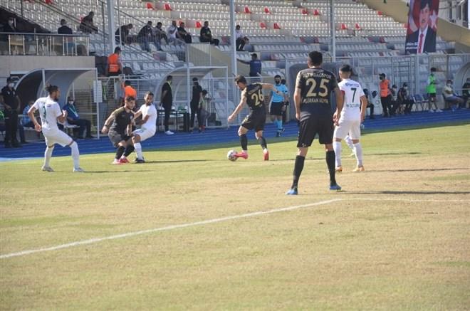 Osmaniyespor FK tek attı 3 aldı