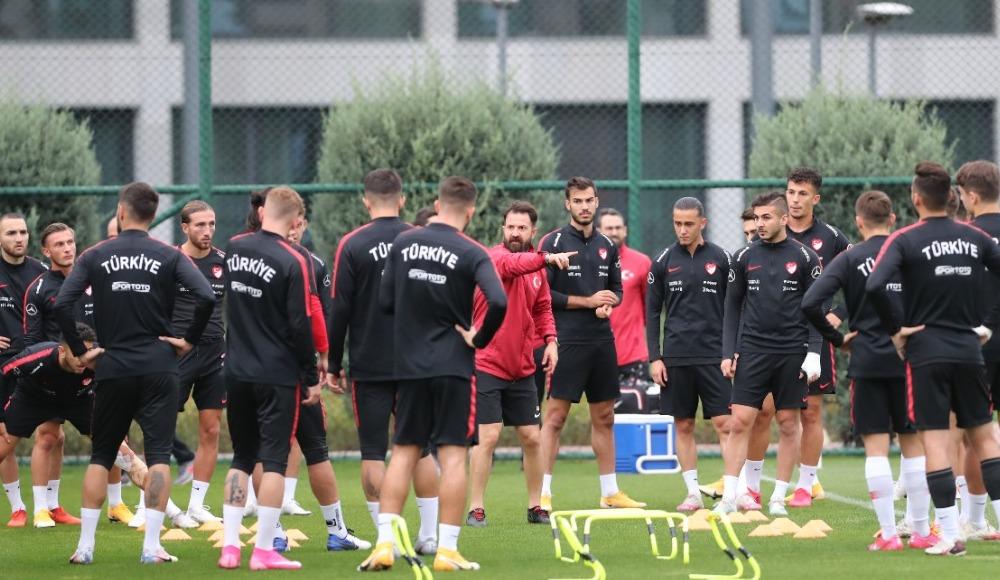 Ümit Milli Futbol Takımı, İngiltere maçı hazırlıklarının İstanbul etabını tamamladı