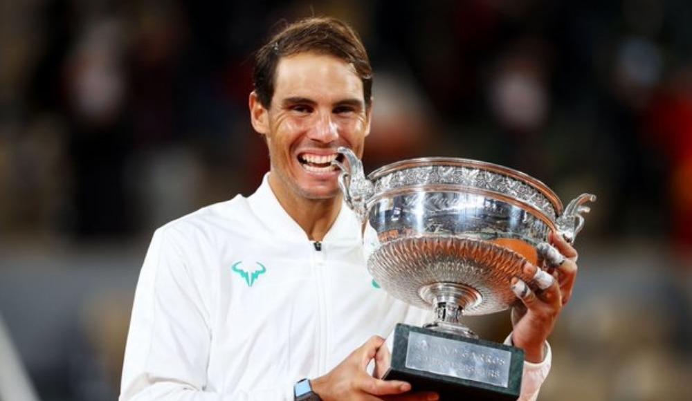 Nadal yine topraktan kazandı, Federer'i yakaladı