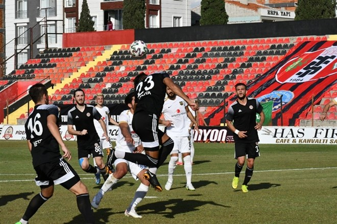 Turgutluspor, Bayburt'u 1-0 yendi