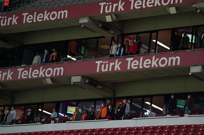 Galatasaray 232 gün sonra seyircisiyle buluştu