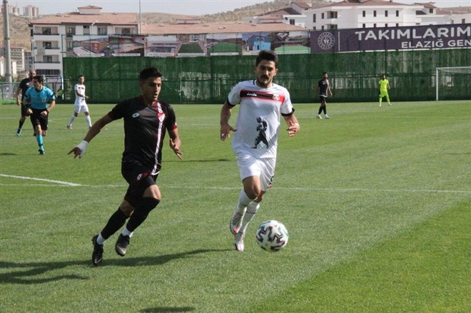 5 gollü maçta kazanan Elazığspor oldu