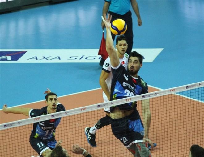 İBB, sahasında Arkas Spor'a 3-1 mağlup oldu