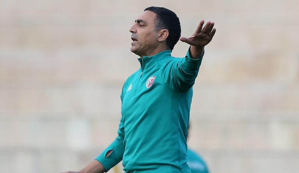 Teknik direktör Mustafa Özer, Ankaraspor'da ilk antrenmanına çıktı